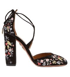 fe15194a2 6 New Ways to Wear Florals That Have Nothing to Do with Your Dress