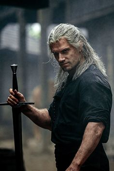 """New still of Henry Cavill as Geralt of Rivia in Netflix's """"The Witcher"""" The Witcher Geralt, Witcher Art, Ciri, The Witcher Wallpapers, Series Movies, Tv Series, Shadowhunters, Henry Williams, Film Serie"""