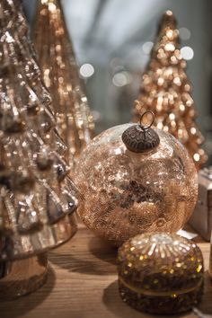 Silver And Gold Christmas Tree Decorations