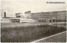 Almelo, Prinses Irene Ziekenhuis. Ik woonde er vlakbij en herinner me nog dat Prinses Irene het kwam openen. Nu Preston Palace! Preston, Irene, Dutch, Roots, Multi Story Building, Dutch People, Dutch Language