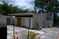 MIRANDA, Municipio Sucre. Capilla Maria Madre de la Paz. Urbanización Miranda. Zona Metropilitana (Caracas).