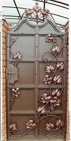 Industrial style gate softened by scrolling leaves Knobs And Knockers, Door Knobs, Door Handles, Cool Doors, Unique Doors, Front Gate Design, Door Design, Art Nouveau, Front Gates