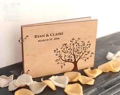 Rustikale Hochzeitsgästebuch, Custom-Gästebuch, Gästebuch Hochzeit, Holz Hochzeit Gästebuch, Lasergravur, Baum Hochzeit, Geschenk für paar  Dieses herrliche Buch, Holz, kann als ein Gästebuch oder als ein Buch der Wünsche der Braut und Bräutigam verwendet werden. Das Gästebuch ist eine