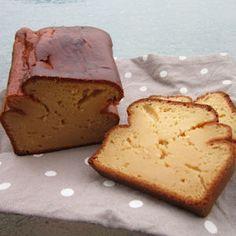 Source : Weight Watchers     Pour 12 personnes :     200 gr de compote à la pomme   200 gr de fromage blanc à 0%   190 gr de farine   1 ...
