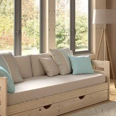 Cama sofá madera pulida Diy Sofa, Sofa Design, Diy Bed Headboard, Daybed, Living Room Cushions, Studio Apartment Decorating, Condo Living, Dream Apartment, Dream Home Design
