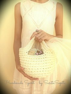 Cesta de trapillo... handmade  Straw Bag, Bags, Fashion, Coin Purses, Totes, Handbags, Moda, Fashion Styles, Lv Bags