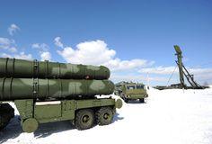 "Anti-aircraft missile system S-400 ""Triumph"" (RIA Novosti / Grigoriy Sisoev)"