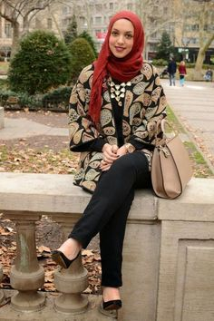 cozy hijab coat- Hijab trends from the street http://www.justtrendygirls.com/hijab-trends-from-the-street/