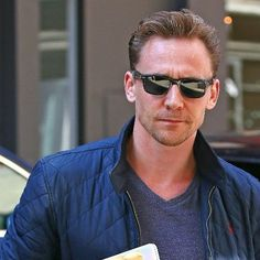 he really out here being the baddest bitch. Okay sir, i see you #tomhiddleston