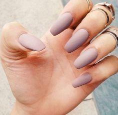 Light purple matte nails