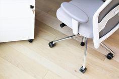 Světlá dřevěná podlaha Mardegan, realizace BOCA Praha. / Light wooden floor Mardegan, BOCA Praha realization. Praha, Chair, Projects, Furniture, Home Decor, Recliner, Blue Prints, Home Furnishings, Stool