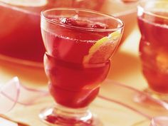 Sparkling Raspberry Lemonade (Crowd Size) Recipe from Betty Crocker Refreshing Drinks, Summer Drinks, Cocktail Drinks, Fun Drinks, Beverages, Cocktails, Party Drinks, Rasberry Lemonade, Pink Lemonade