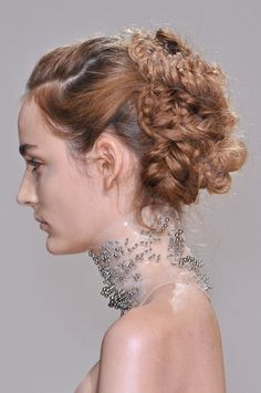 Iris Van Herpen Couture Fall Winter 2013 | PFW  Collar with studs