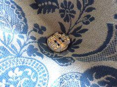 cushion button