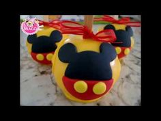 Mickey Mouse Table, Bolo Da Minnie Mouse, Minnie Mouse Cake Pops, Mickey Mouse Party Decorations, Bolo Mickey, Mickey Mouse And Friends, Chocolates, Dessert Buffet, Candy Apples