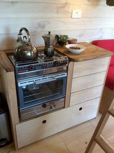 Awesome 65 Clever Tiny House Kitchen Decor Ideas https://homespecially.com/65-clever-tiny-house-kitchen-decor-ideas/