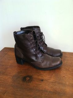 Sporto 90s leather heeled boots / Lace-up ankle boots / Size 7.5 on Etsy, $28.00