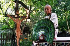 La Casa Ethnos Feldru BN Fotografie Alexandru Uiuiu City People, Folk Costume, Faith In God, Romania, Traditional, Digital, Prints, Image
