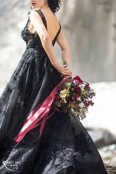 BLACK QUEEN   STYLED SHOOT Black Dress   Braut   Bride   Red   Mountains   Switzerland   Bouquet   Waterfall   Dress