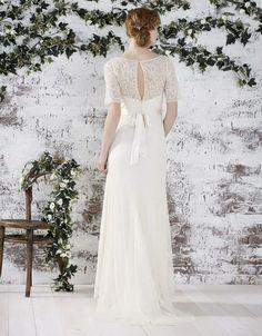"<a href=""http://uk.monsoon.co.uk/view/product/uk_catalog/mon_4.1/9502434612"" target=""_blank"">Farah Bridal Dress</a>"