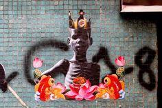 Une sélection des collages satiriques et engagés du street artist chilienCaiozzama, basé àSantiago, qui détourne les symboles du consumérisme et les i