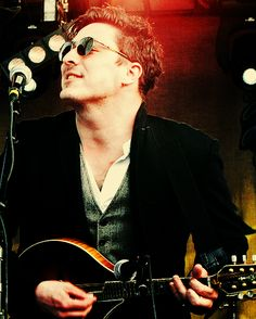 Marcus Mumford, Mumford and Sons.unique, original, true talent - the best Rock n Roll band playing today IMO Pretty People, Beautiful People, Marcus Mumford, Mumford Sons, We Will Rock You, To Infinity And Beyond, My Favorite Music, Favorite Things, Celebs