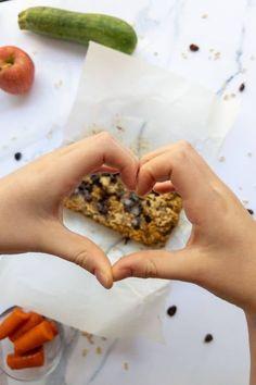 Healthy Kids Snacks For School, Kid Snacks, Zucchini Bread Recipes, Picky Eaters, Fruits And Veggies, Vegan Vegetarian, Plant Based, Clean Eating, Breakfast