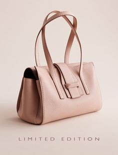 """Max Mara MIA05 nudo: """"A"""" Bag. Find your outfit on the Official Max Mara Website and discover all that is new in ready-to-wear."""