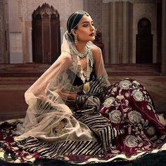 Crushing on this velvet lehenga  #indiandesigner #indianbride #motd #jewelry #wedding #fashion #shaadibazaar #wedding #indianwedding