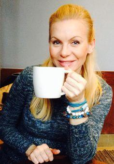 Aktorka Karolina Nowakowska w biżuterii Fuerza. Fuerza #fuerza #aktorka #actress #collection #kolekcja #fashion #stylization #woman #kobieta #beautiful #look #bransoletki #bransoletka #bracelets #bracelet #jewelry
