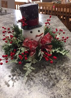 In this DIY tutorial, we will show you how to make Christmas decorations for your home. The video consists of 23 Christmas craft ideas. Easy Holiday Decorations, Snowman Christmas Decorations, Christmas Mesh Wreaths, Christmas Centerpieces, Christmas Snowman, Christmas Diy, Christmas Ornaments, Christmas Tablescapes, Christmas 2019