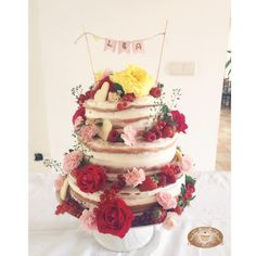 #naked #cake #nakedcake #vanilla #fruit #fresh #flowers #rose #bakingmoments