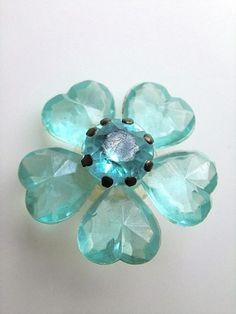 画像1: きらきらブルーフラワー ボタン ハート型の花びら