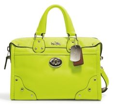Coach+Rhyder+Bag+in+Glo+Lime (421×407)