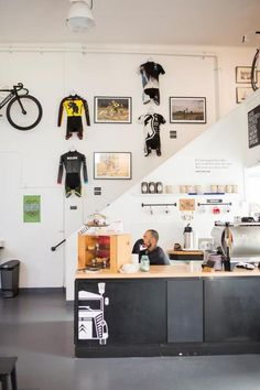 Bicycle shop w/ good design.
