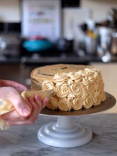 Check out my Chocolate Dulce de Leche Cake and decorating tips on @bakewithstork http://bakewithstork.co/icingtips