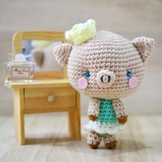 Let's meet Princess P, the piggy amigurumi. Free pattern available.