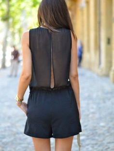 Bonjour les filles ! La combishort est l'une des pièces de l'été qui nous fait complétement craquer ! Plus originale que la robe et plus branchée qu'une simple jupe, elle est l'alternative mode parfaite ! Vous allez …
