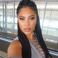 Instagram @msroshposh is rocking the box braids as a protective style for the summer.
