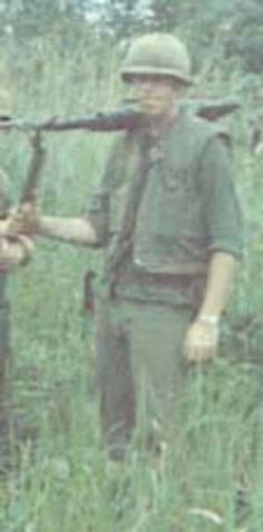 Virtual Vietnam Veterans Wall of Faces | JEROME M HANRAHAN JR | MARINE CORPS