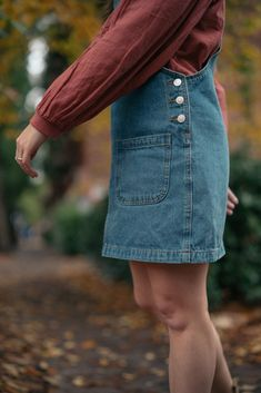 Sharing a simple and pretty fall outfit for 2020 that is perfect for work, school, or a casual weekend trip. Preppy Fall Fashion, Preppy Fall Outfits, Early Fall Outfits, Chic Outfits, Teen Fashion, Autumn Fashion, Fashion Trends, Denim Outfits, Autumn Outfits