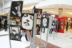 """Fãs dos Beatles podem conferir uma exposição de discos, fotos e itens relacionados à banda no terceiro andar do Bourbon Shopping Walling. A mostra """"Beatleweek Brasil"""" é exibida até o dia 13 de outubro, em todos os dias, das 10h às 22h. A entrada é Catraca Livre."""
