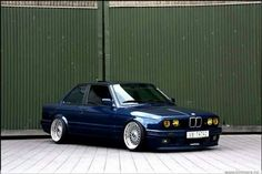 BMW E30 3 series blue
