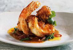 Sujet Saenkham's prawns with tamarind sauce Spice I Am: Home style Thai recipes.