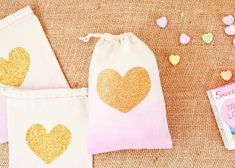 Best 2014 #DIY Projects from Oh So Beautiful Paper: http://ohsobeautifulpaper.com/2014/12/best-2014-diy-projects/ | Dip Dye Heart Favor Bags