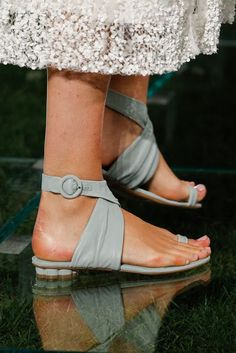 See the complete Salvatore Ferragamo Spring 2018 Ready-to-Wear collection. Pretty Shoes, Beautiful Shoes, Cute Shoes, Salvatore Ferragamo, Sock Shoes, Shoe Boots, High End Shoes, Plastic Shoes, Only Shoes
