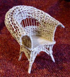 fauteuil miniature en vannerie