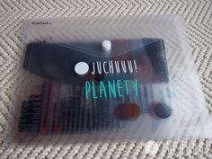 Planety. Představujeme úžasné průhledné karty s planetami sluneční soustavy. Sada obsahuje 8 karet velikosti A5 a jednu menší kartičku pro kontrolu planet.