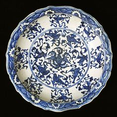 Fritware dish, painted in blue under a transparent glaze. Iran, Tabriz?; end of 15th century.