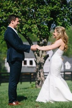 """Shawn and Andrew? Shawn, an Olympic Gold Medalist currently commentating in Rio, and Andrew, a Long Snapper for the Oakland Raiders, said """"I do"""" with a celebr. Shawn Johnson Body, Shawn Johnson Wedding, Shawn Johnson Gymnast, Farm Wedding, Wedding Bells, Wedding Stuff, Wedding Ideas, Southern Bride, Luxury Wedding"""
